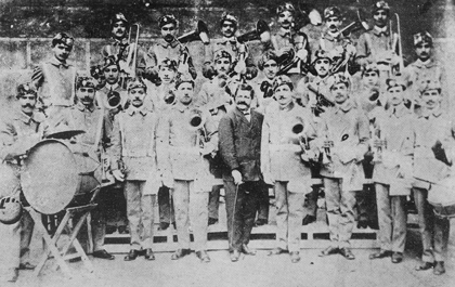 "The musical band ""Кnar"" of Smyrna, 1909"