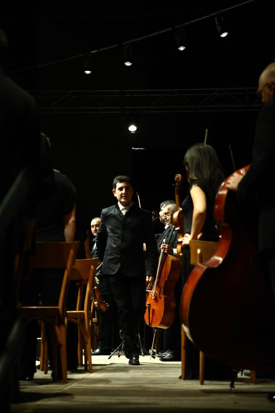 Eduard Topchjan and the Armenian Philharmonic Orchestra at the Festival delle Nazioni in Italy | © Annalisa Savoca
